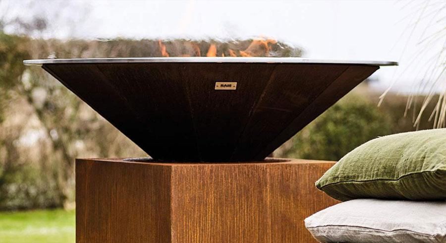 Pour un barbecue réussi ! Foyer spécialisé extérieur - Attika - Rais